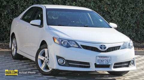 2013 Toyota Camry SE FWD 4dr Car