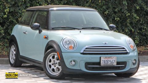 Pre-Owned 2013 MINI Cooper Cooper